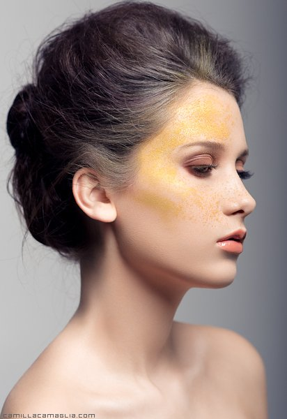 """Jademodels des Modelwettbewerbs """"Österreichs Nächstes Topmodel"""": Fruzsina Lazar"""