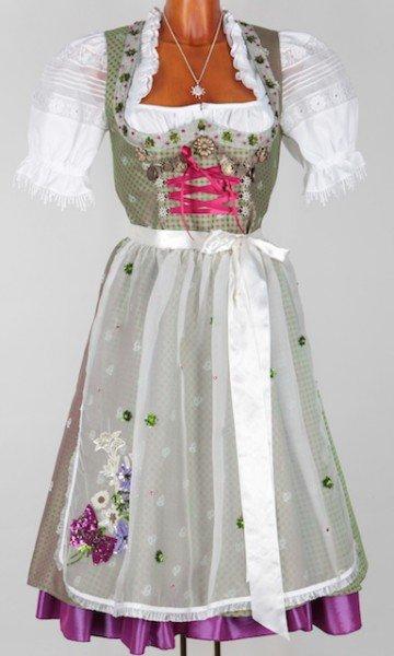 """Dirndl """"Happy Heidi"""", in Grün/Rosa mit lila Saum, ca. 800 Euro"""