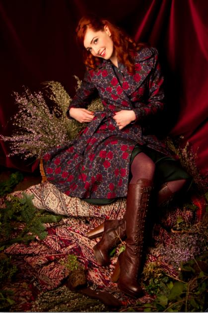 Lena Hoschek - Blütenmuster auch bei Mantelkleidern
