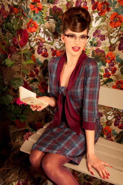 Herbstmode 2011 bei Lena Hoschek - sexy Seidenkleider