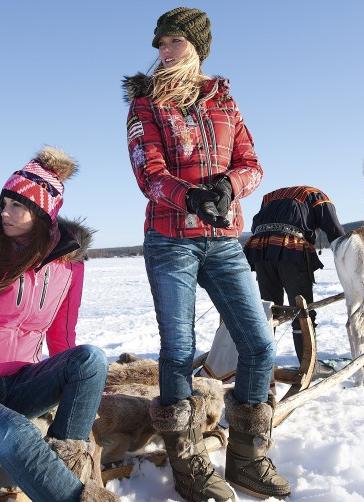 Ski-Jeans und Karo-Skijacken