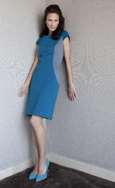 SCUBA KLEID Doppelseitiges Stretch Kleid aus Bio- Baumwolle. Kobaltblau mit seitlichem Colour-Blocking in Grau.