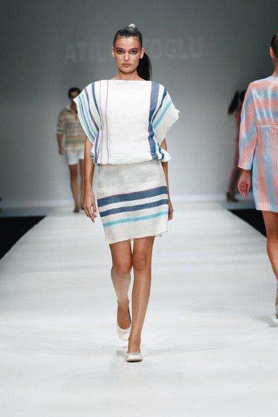 Kleid weiß mit Streifen, Atil Ktoglu