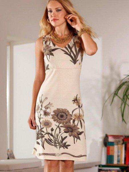 Kleid mit Blumen, wollweiß-beige